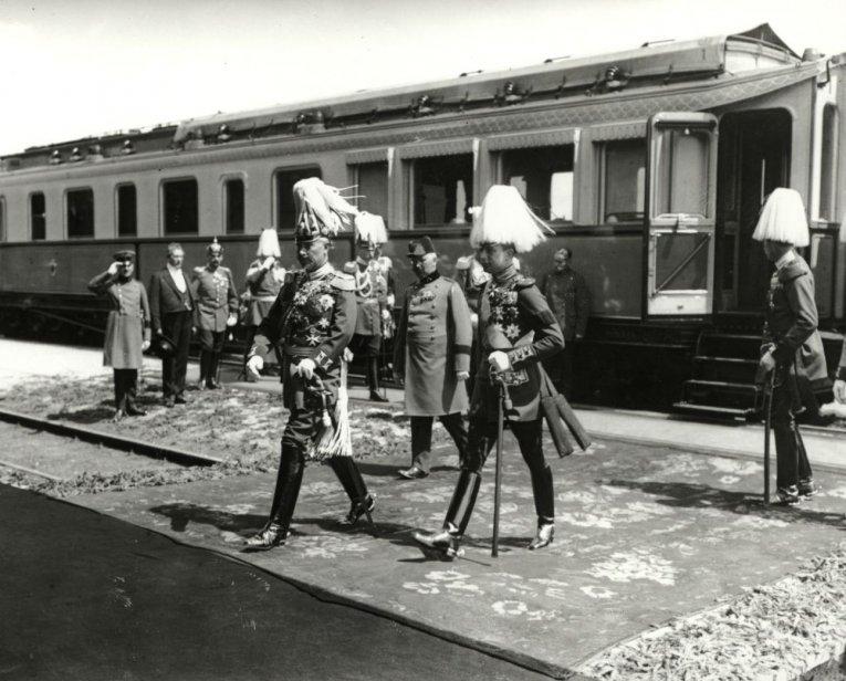 Kaisers Karlshorst kaiserbahnhöfen fürstenzimmern und salonwagen monumente