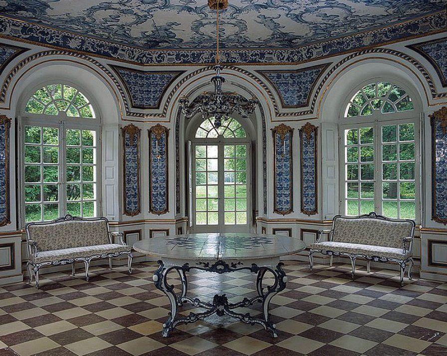 Schön Die Wittelsbacher Schätzten Im 18. Jahrhundert Fliesenschmuck: Der Salon Im  Lustschlösschen Pagodenburg Entstand 1767