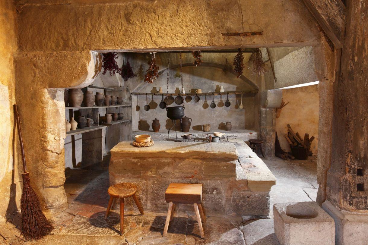 Eine Der ältesten Erhaltenen Klosterküchen In Deutschland (nach 1258): Das  Ehemalige Dominikanerkloster In