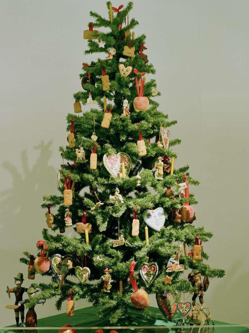 Eine Kulturgeschichte der Weihnachtsbräuche | Monumente Online